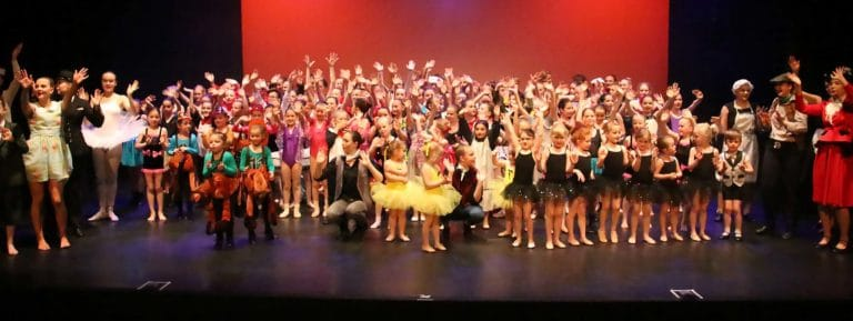Roynon Dance School full cast on stage